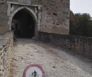 až na hrad